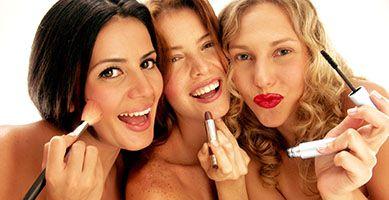 Jak usunąć plamy po makijażu?