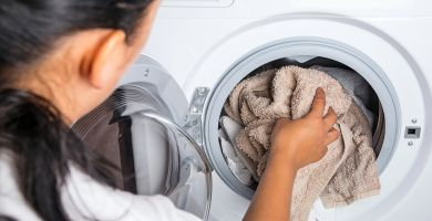 Proszkowe kapsułki do prania – innowacyjna alternatywa dla zwykłego proszku. Hit czy kit?